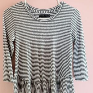 Abercrombie & Fitch - blue and white striped shirt